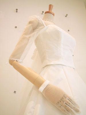 挙式時の袖付きスタイル