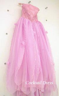 ピンクのカクテルドレス